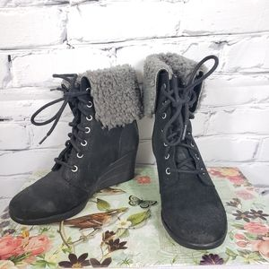 Ugg Zea Wedge Lace-up Winter Boots
